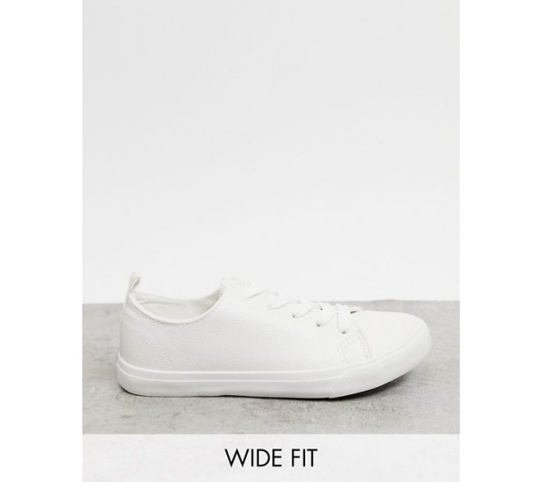 New Look Wide Fit lace up trainer in white