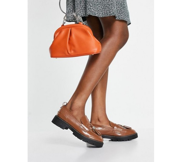 Office Fundamental leather cleated tassle loafer in brown